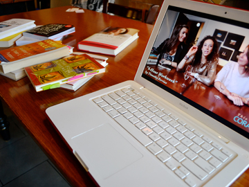 Coral, laptop