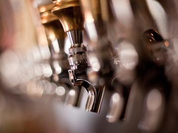 bar beer taps bartender