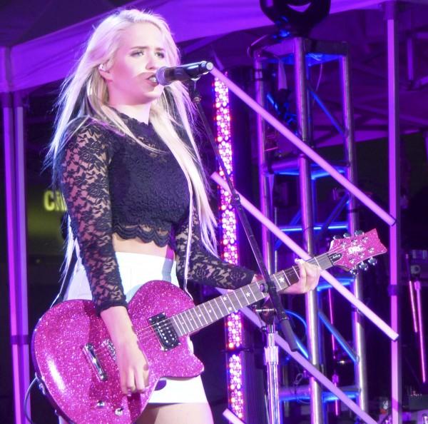 Macy Kate performing