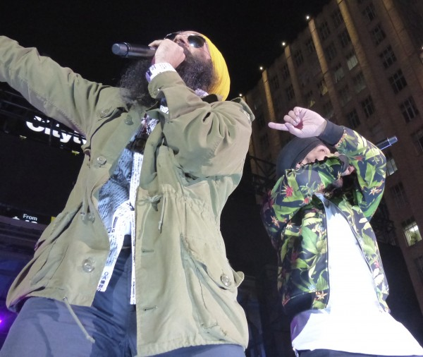 Jus Reign performing