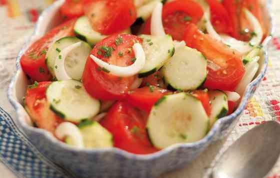 Summer Tomato Onion Salad