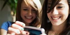 School girls smartphone