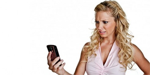girl-cell-phone